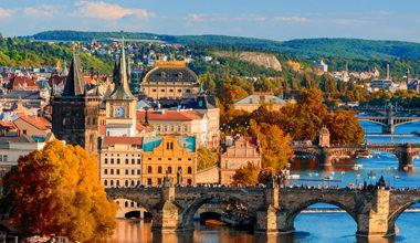 Великденски и Майски празници в Прага самолетна програма